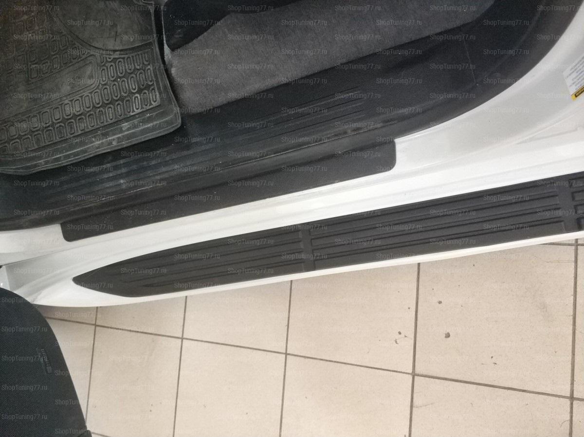 Пороги подножки с подсветкой Toyota Land Cruiser 200
