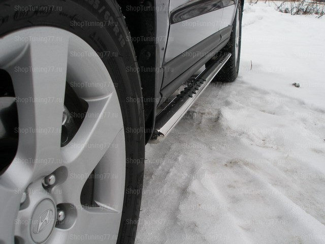 Пороги овальные с проступью 75x42 мм Hyundai Santa Fe (2006-)