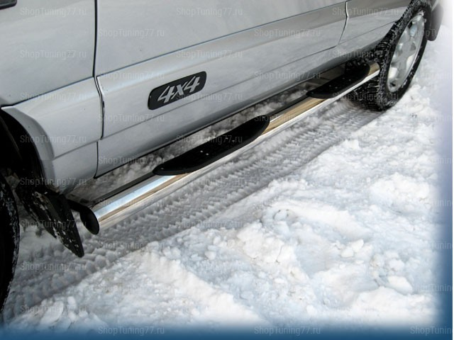 Пороги труба с пласт. накладками 70 мм Chevrolet Niva