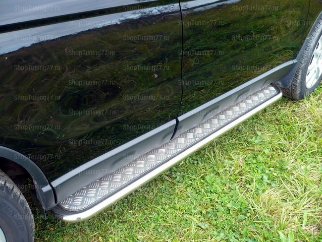Пороги с алюмин. листом 42 мм Honda CR-V (2007-)