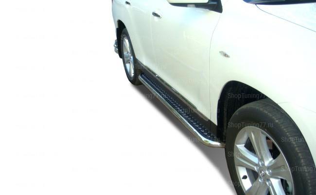 Пороги с площадкой 42 мм Toyota Hightlander (2010-2014)