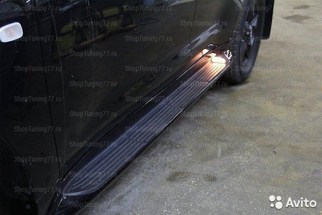 Пороги подножки c подсветкой Toyota Land Cruiser 200 (2015-)