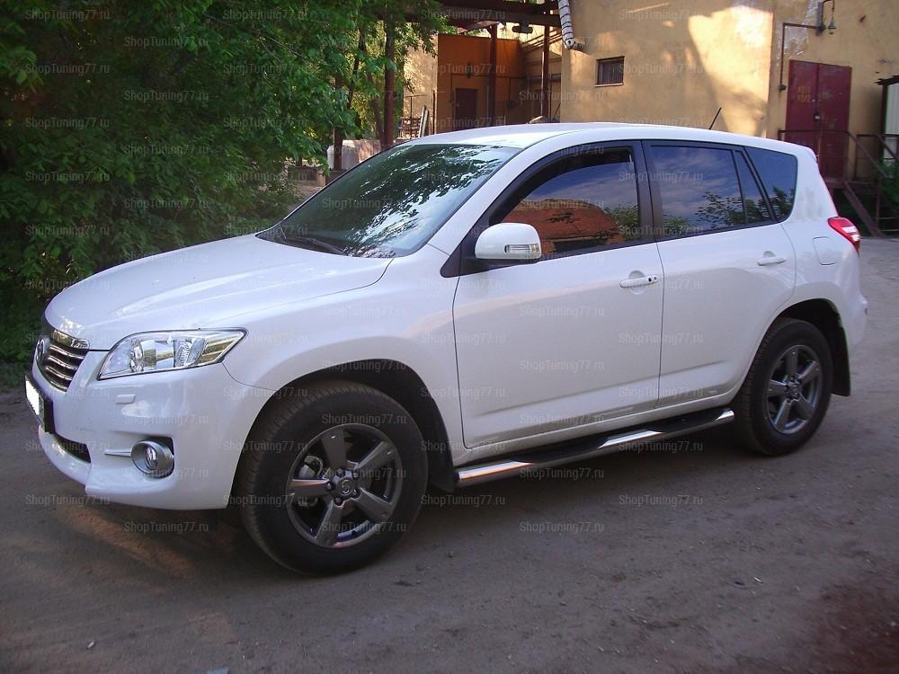 Пороги с проступями 76 мм Toyota RAV 4 (2010-)